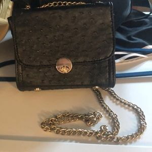 Black crossover purse